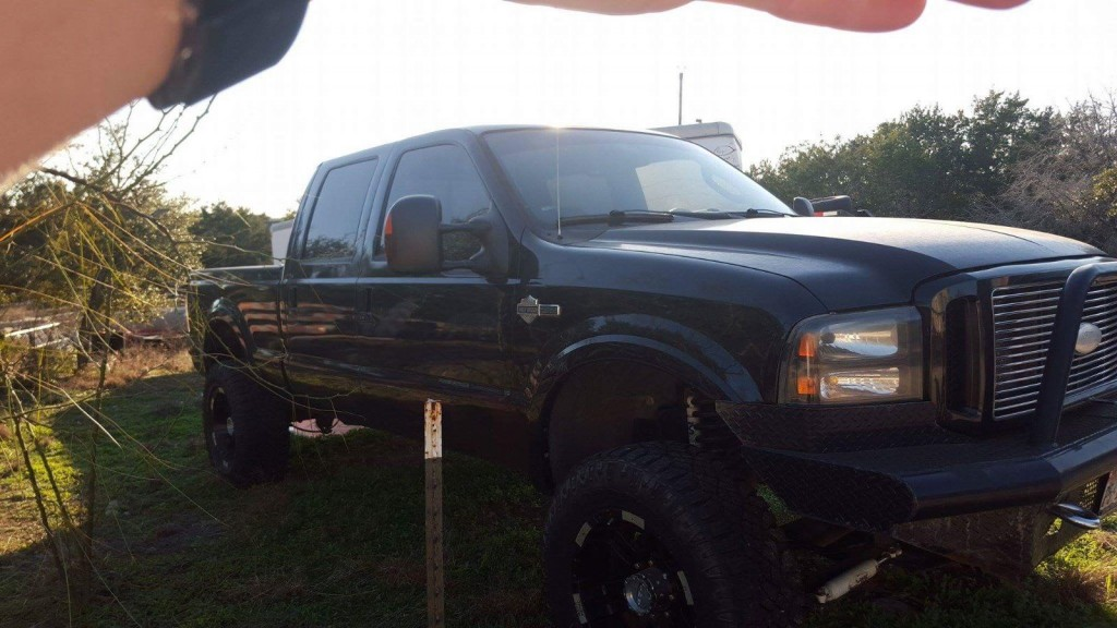 2005 Ford F 250 crew cab Harley Davidson Edition for sale