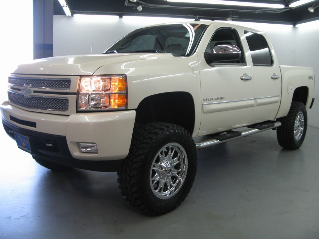 2013 chevrolet silverado 1500 4wd ltz crew cab 4 door 6 2l lifted for sale. Black Bedroom Furniture Sets. Home Design Ideas