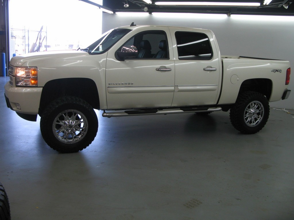 lifted 2013 chevrolet silverado for sale. Black Bedroom Furniture Sets. Home Design Ideas