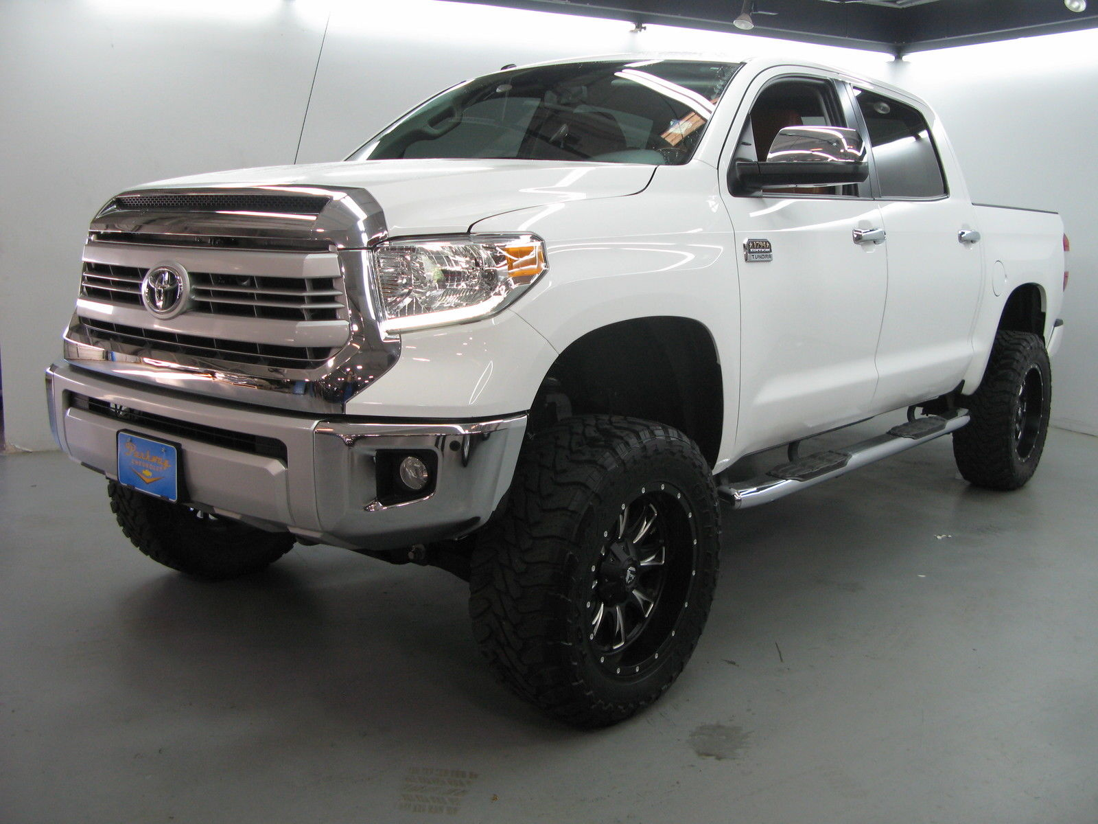 2015 toyota tundra 1794 edition crew cab 4wd pickup 4 door 5 7l lifted for sale. Black Bedroom Furniture Sets. Home Design Ideas