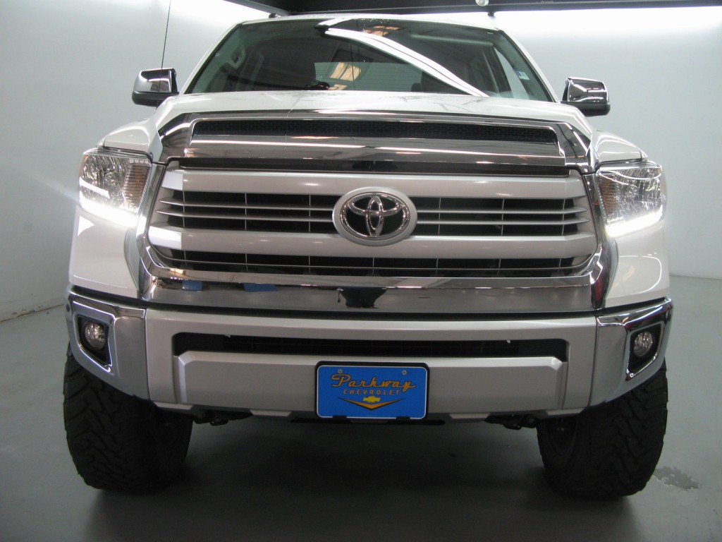 2015 Toyota Tundra 1794 Edition Crew Cab 4WD Pickup 4 Door 5.7L Lifted