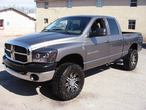 2006 Dodge Ram 2500 SLT Crew 4WD Shortie Cummins Diesel 6 speed for sale
