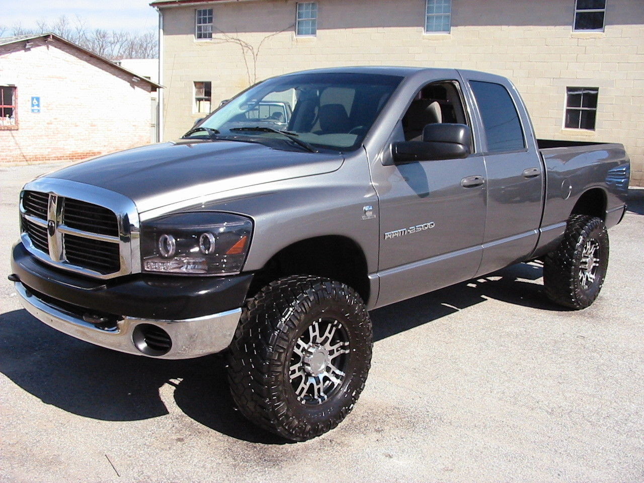 2006 Dodge Ram 2500 SLT Crew 4WD Shortie Cummins Diesel 6 speed