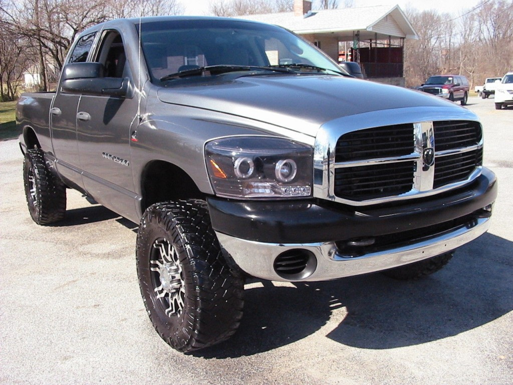 2006 dodge ram 2500 slt crew 4wd shortie cummins diesel 6 speed for sale. Black Bedroom Furniture Sets. Home Design Ideas