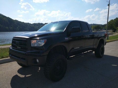 2012 Toyota Tundra (lifted/4×4) Double Cab for sale