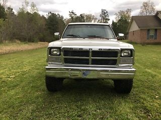 1993 Dodge Pickup Standard Cab lifted for sale