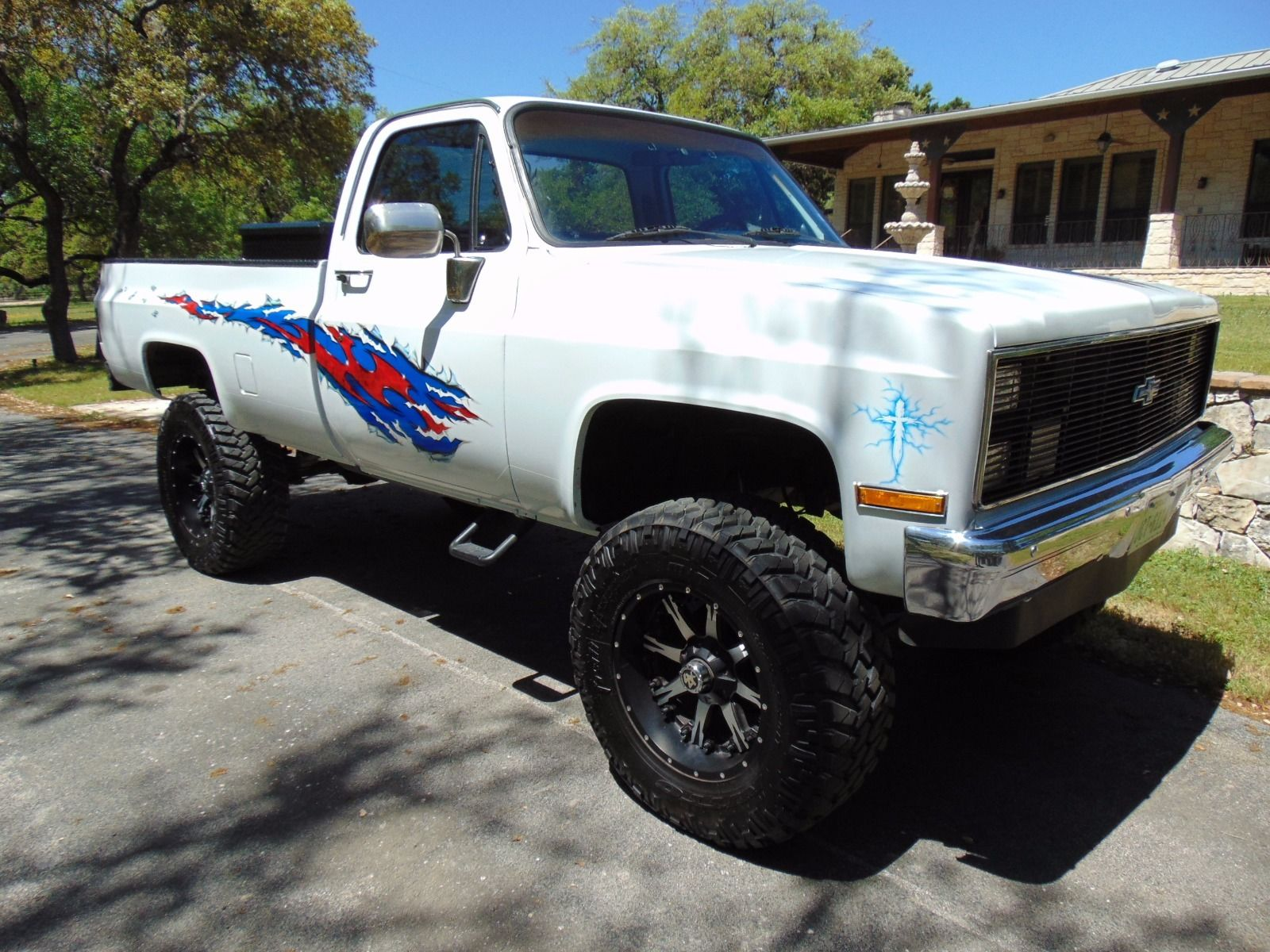 Completely restored 1985 Chevrolet C/K Pickup 1500 lifted for sale