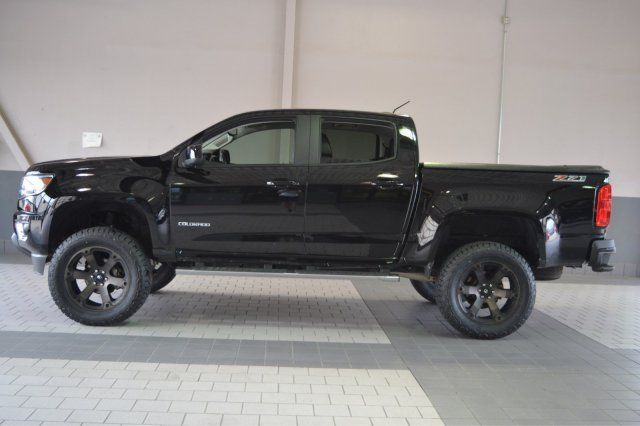 Low mileage 2015 Chevrolet Colorado lifted truck