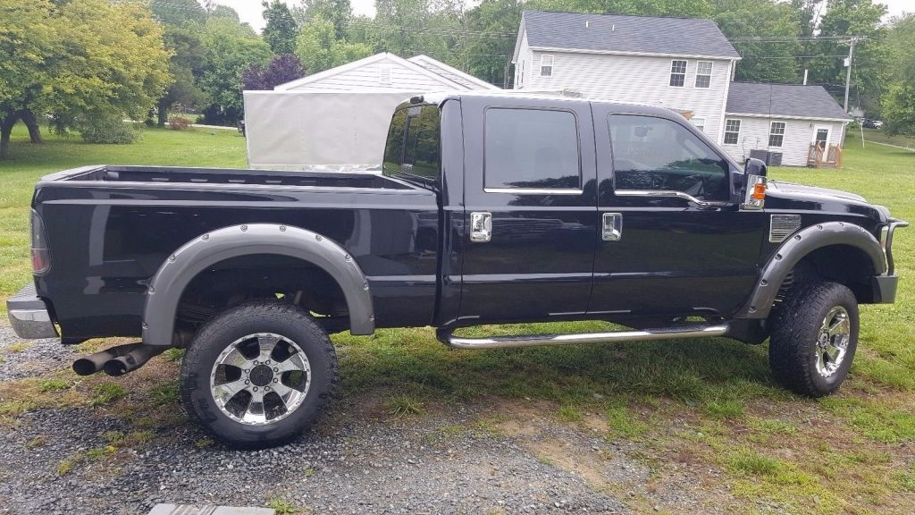 Strong runner 2008 Ford F 250 xl lifted truck