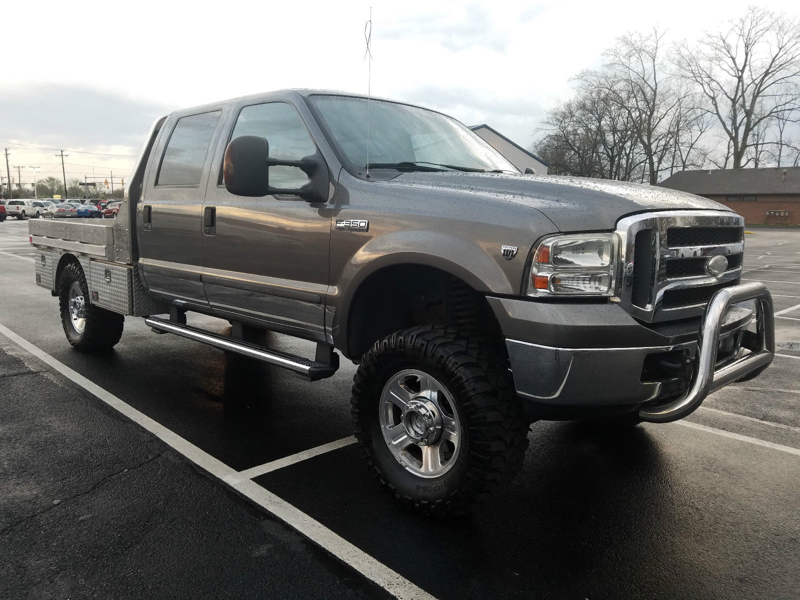 Aluminium bed 2005 Ford F 350 Lariat lifted