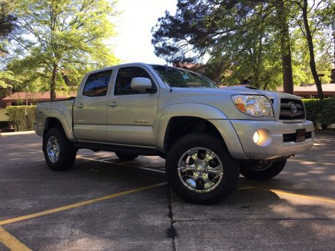 Excellent shape 2005 Toyota Tacoma lifted for sale