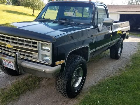 All works 1986 Chevrolet Silverado 1500 lifted for sale