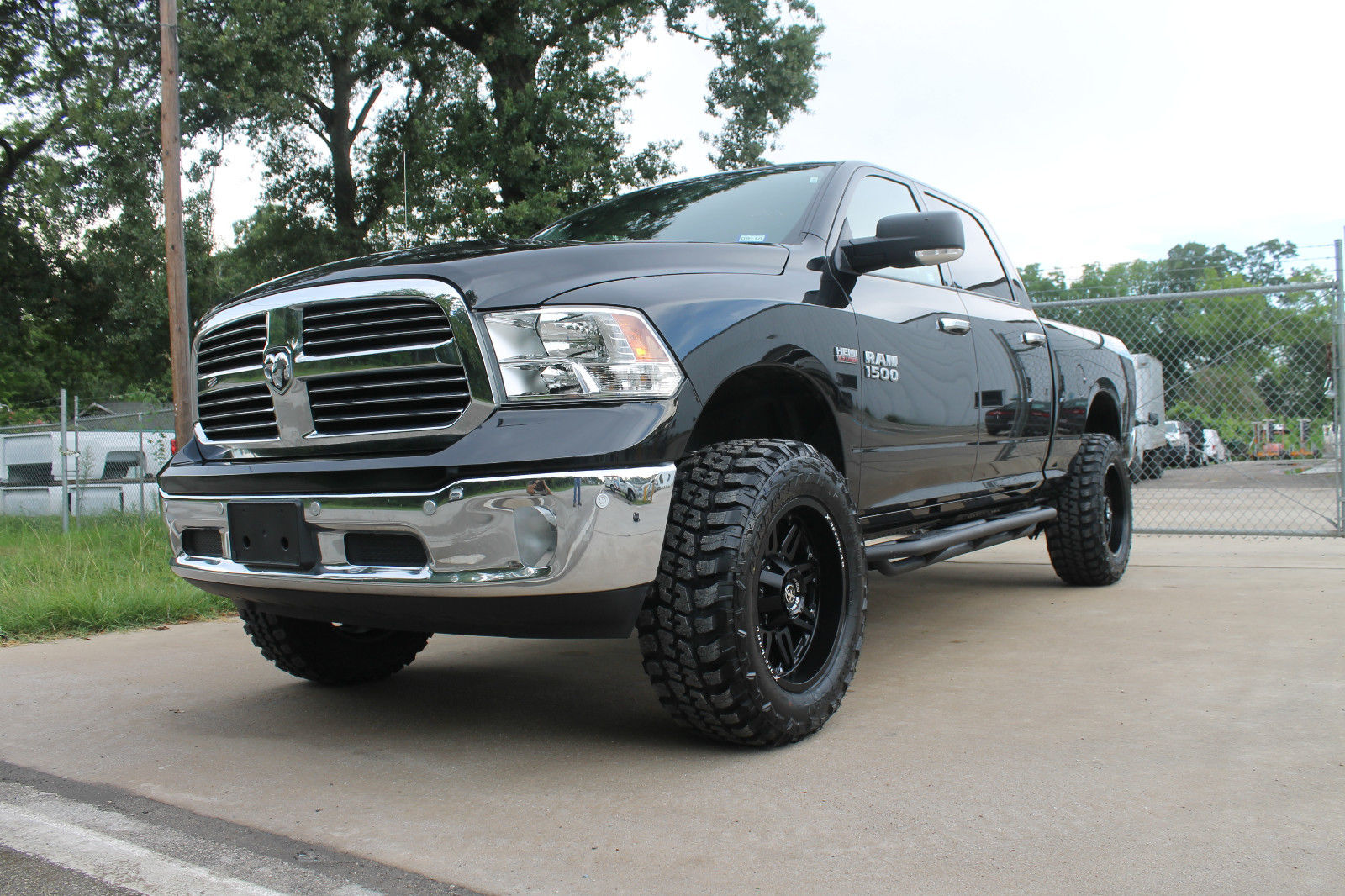 lifted trucks ram dodge 1500 horn upgraded truck diesel