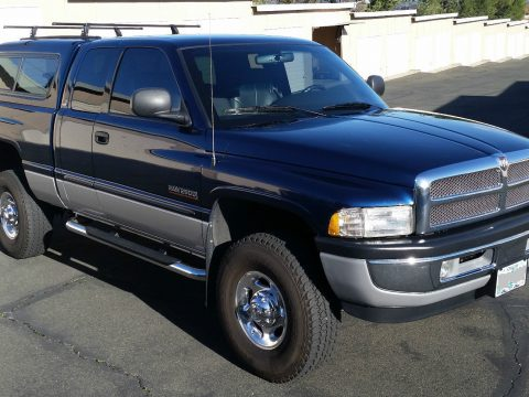 fully loaded 2001 Dodge Ram 2500 SLT lifted for sale