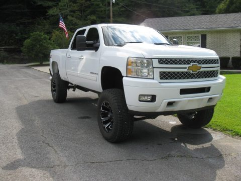 loaded 2009 Chevrolet Silverado 2500 LTZ Crew Cab lifted for sale