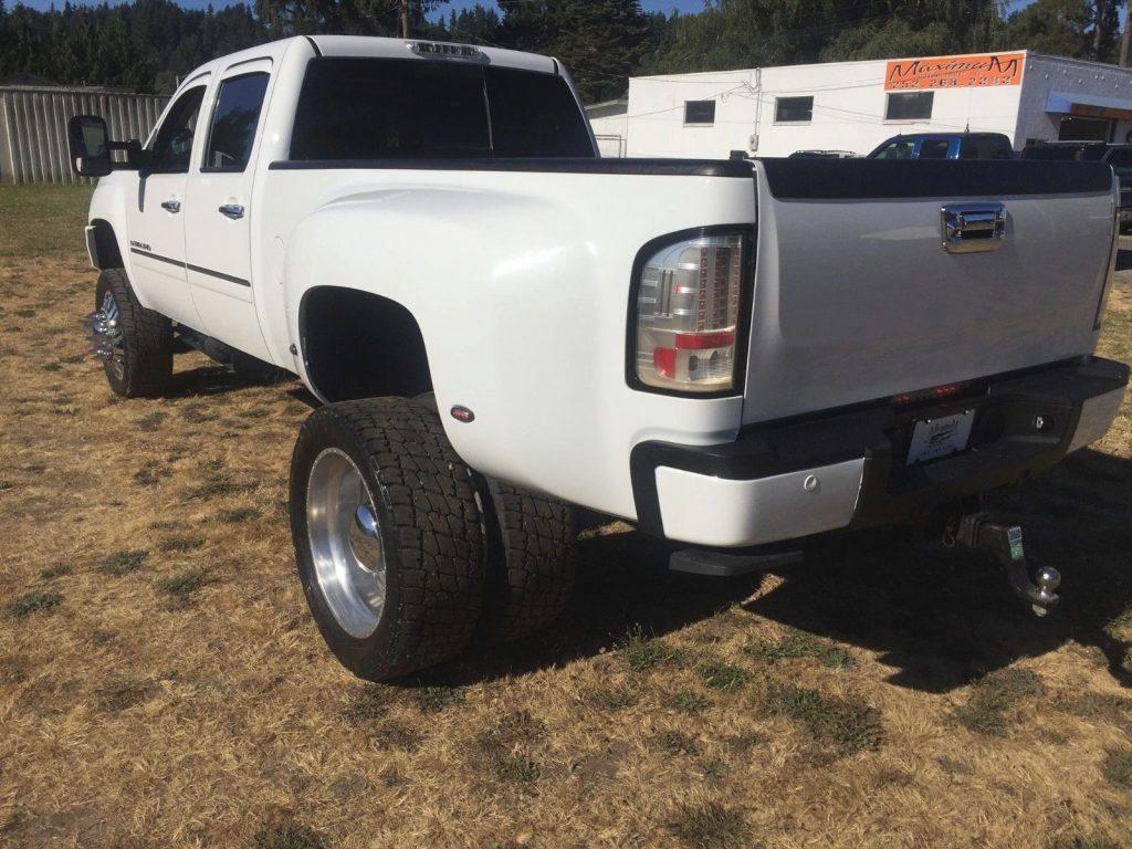 loaded 2011 GMC Sierra 3500 DENALI lifted for sale