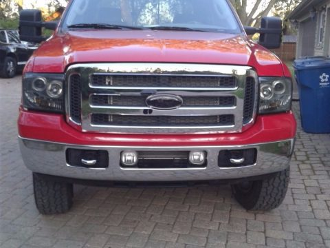 Newer frame 2002 Ford F 350 lariat lifted for sale
