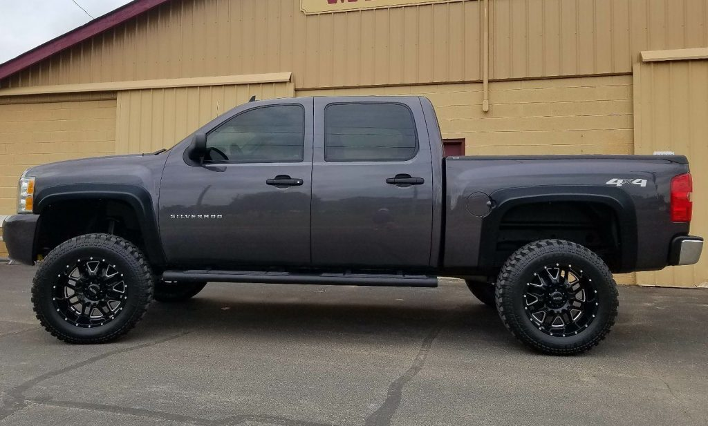 professionally built 2011 chevrolet silverado 1500 lifted for sale. Black Bedroom Furniture Sets. Home Design Ideas