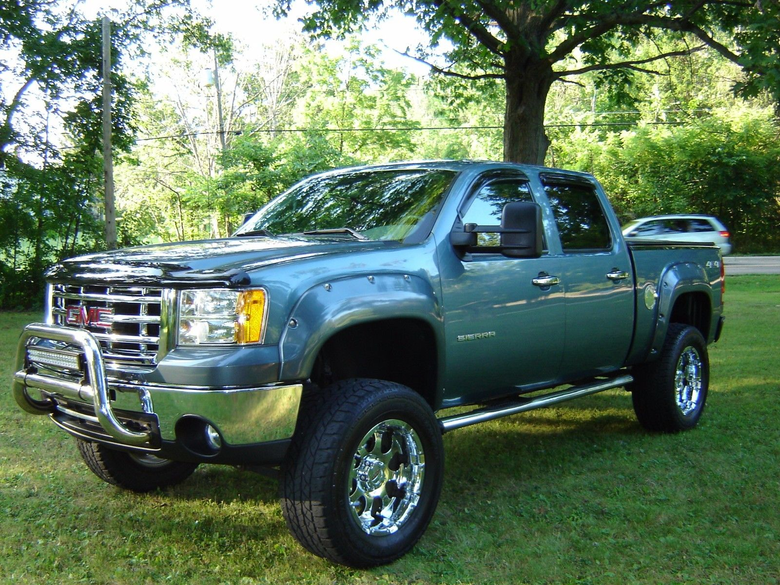 super clean 2010 GMC Sierra 1500 Lifted for sale