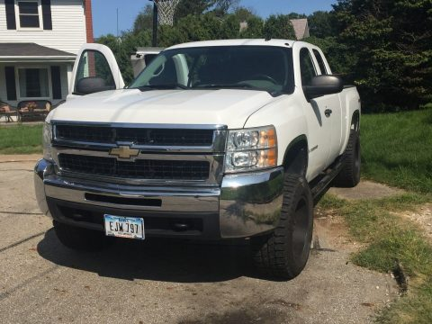 solid 2009 Chevrolet Silverado 2500 lifted for sale