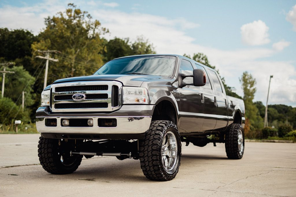 custom built 2006 Ford F 250 lifted