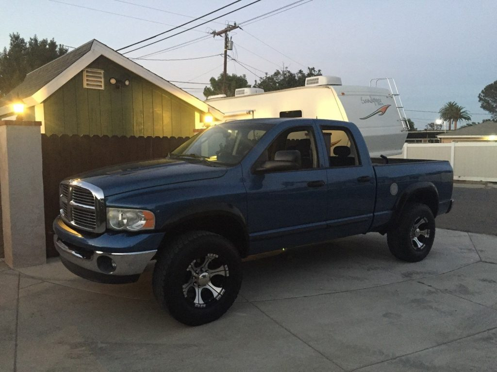 many extras 2005 Dodge Ram 2500 BIG HORN lifted