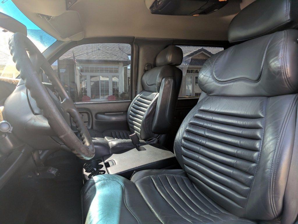 Monroe conversion 2004 Chevrolet Pickups Kodiak C4500 lifted