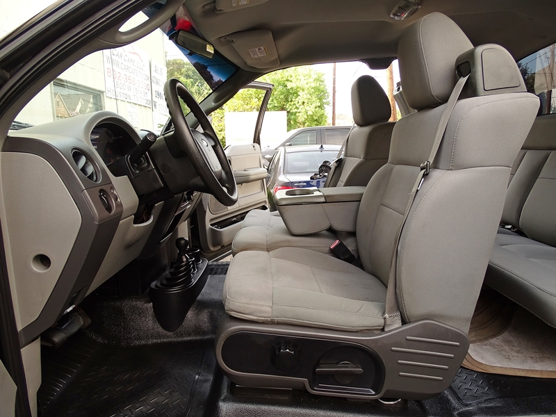 no issues 2005 Ford F 150 STX lifted