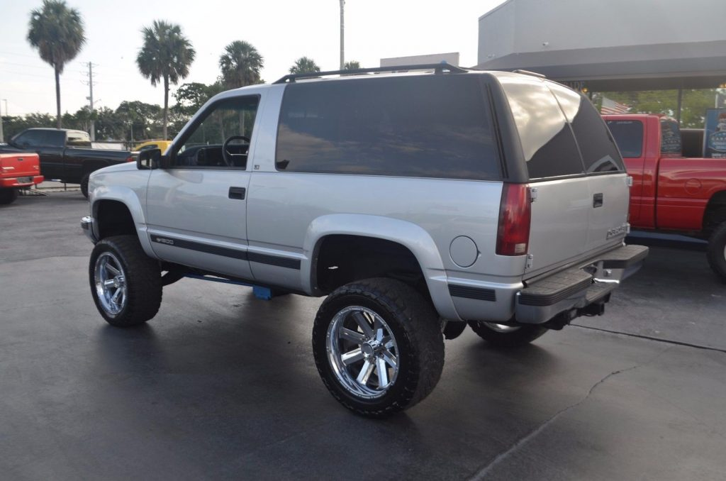 clean 1995 Chevrolet Tahoe 2 Door LS lifted