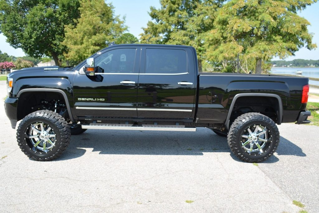 loaded 2017 GMC Sierra 2500 Denali lifted
