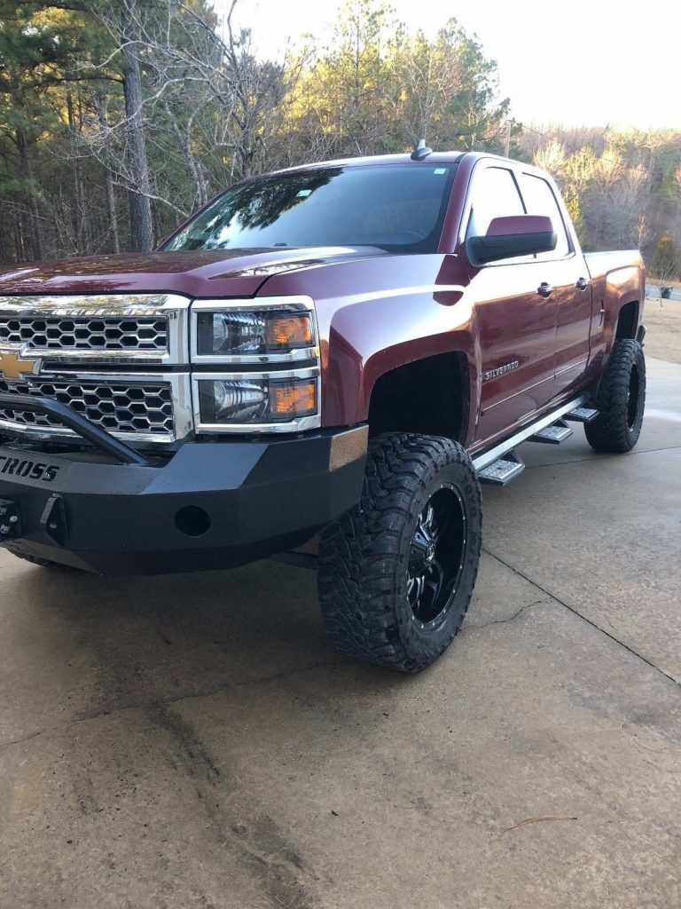 great looking 2015 Chevrolet Silverado 1500 LT lifted