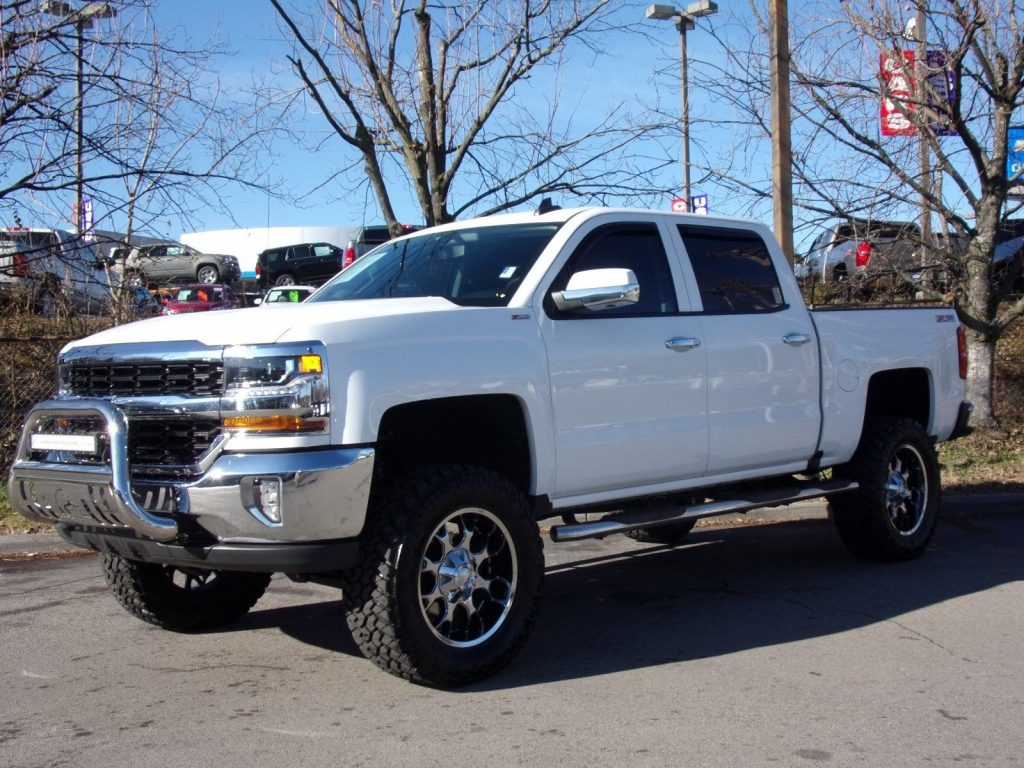 loaded 2016 Chevrolet Silverado 1500 LT lifted