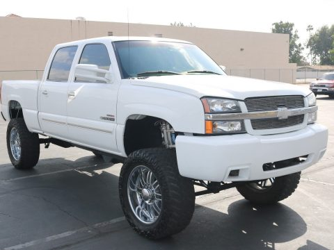everything works 2003 Chevrolet Silverado 2500 lifted for sale