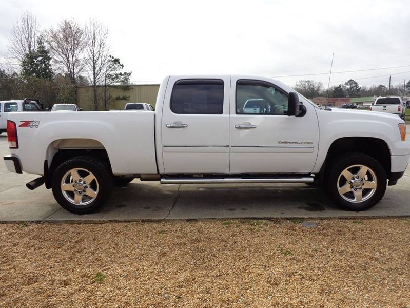 clean 2013 GMC Sierra 2500 Denali 4×4 lifted