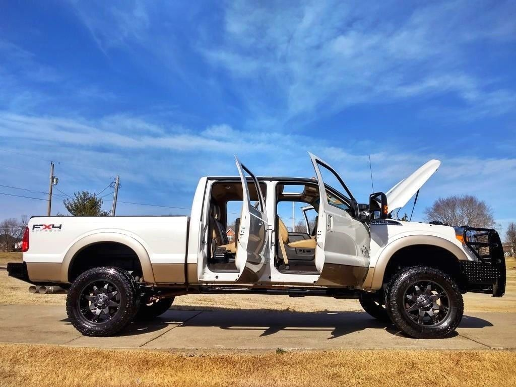 well maintained 2013 Ford F 250 Lariat FX4 lifted