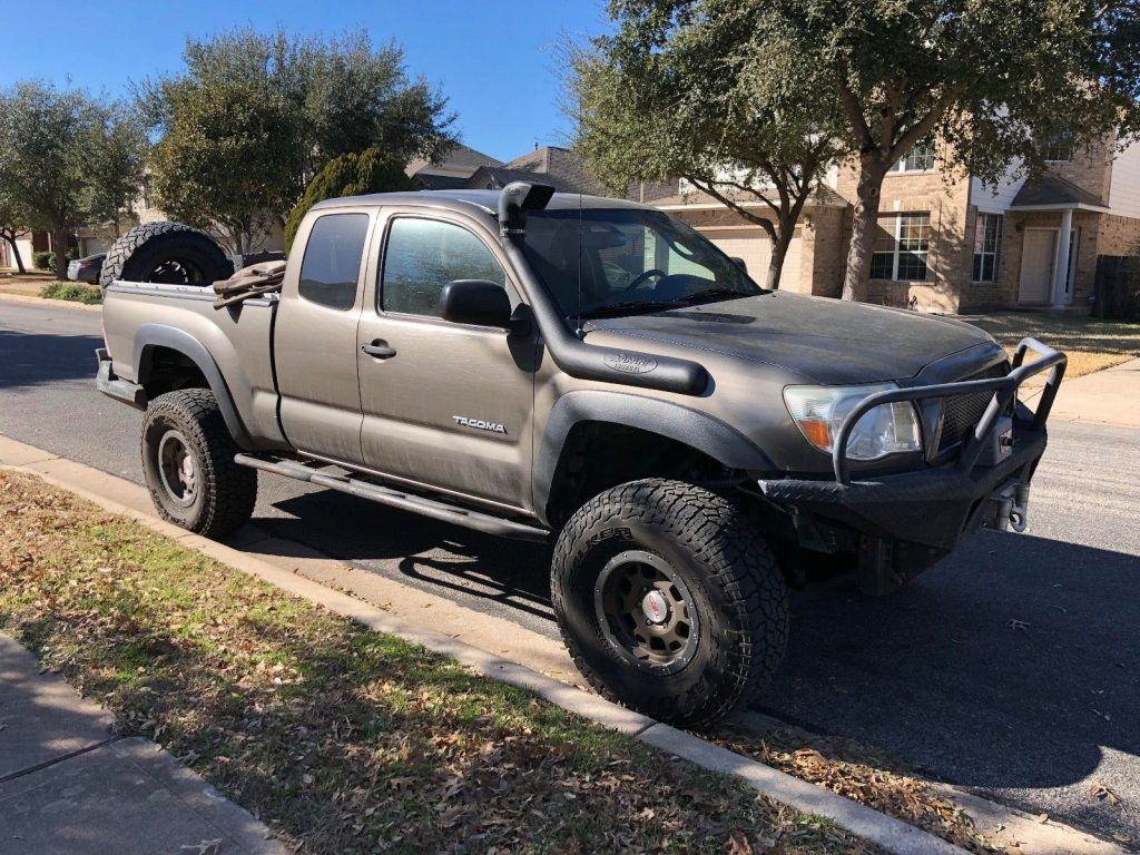 modified 2009 Toyota Tacoma lifted for sale