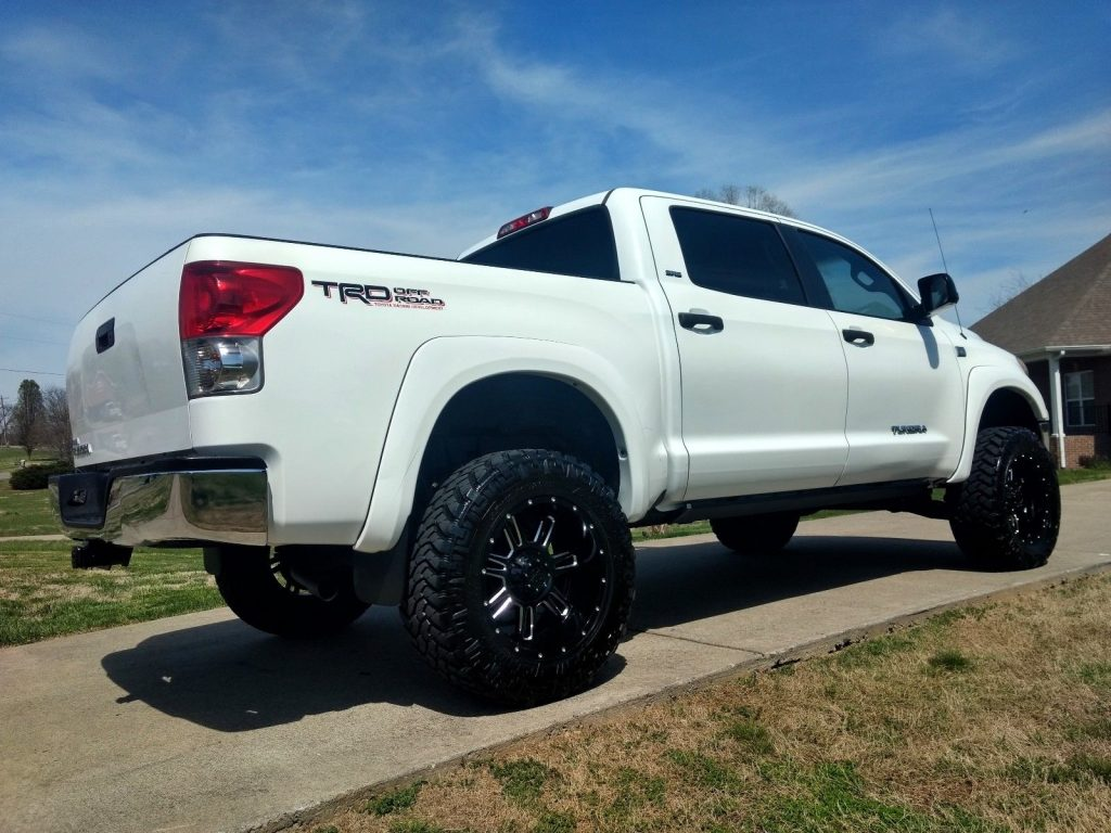 well maintained 2008 Toyota Tundra SR5 lifted
