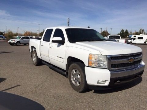loaded 2007 Chevrolet Silverado 1500 4WD Crew Cab lifted for sale