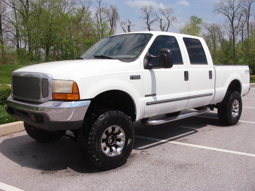 rust free 2000 Ford F 250 Lariat CREW Shortie lifted