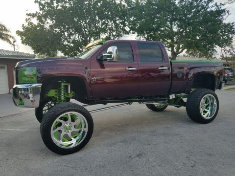 show truck 2007 Chevrolet Silverado 2500 lifted for sale
