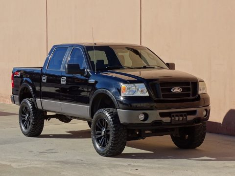 super clean 2007 Ford F 150 FX4 Crew Cab lifted for sale