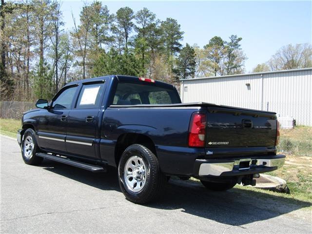 very clean 2007 Chevrolet Silverado 1500 LS Crew Cab Short Bed Vortec lifted