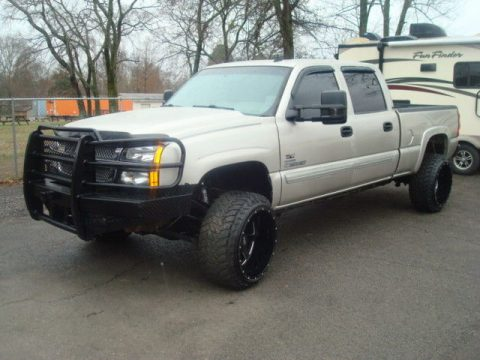 well optioned 2007 Chevrolet Silverado 2500 LT lifted for sale