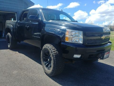 well serviced 2007 Chevrolet Silverado 1500 LTZ lifted for sale