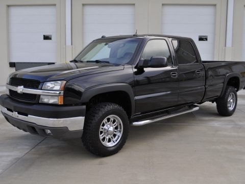great shape 2004 Chevrolet Silverado 3500 HD SRW 4×4 lifted for sale