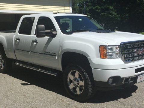 modified 2011 GMC Sierra 2500 Denali lifted for sale