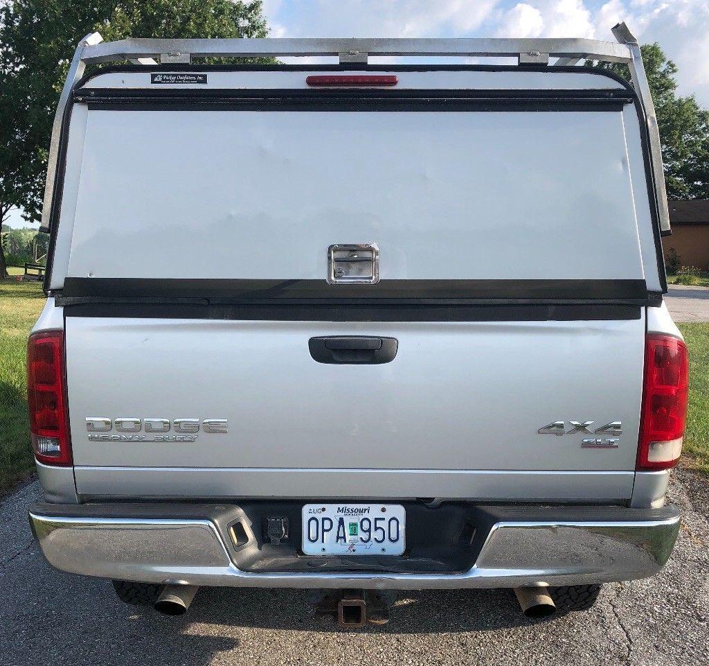 some dings 2004 Dodge Ram 2500 SLT lifted