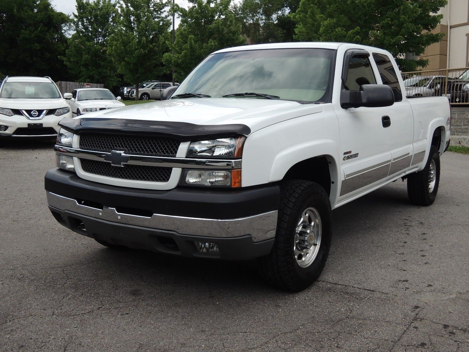 well maintained 2003 Chevrolet Silverado 2500 LS lifted for sale
