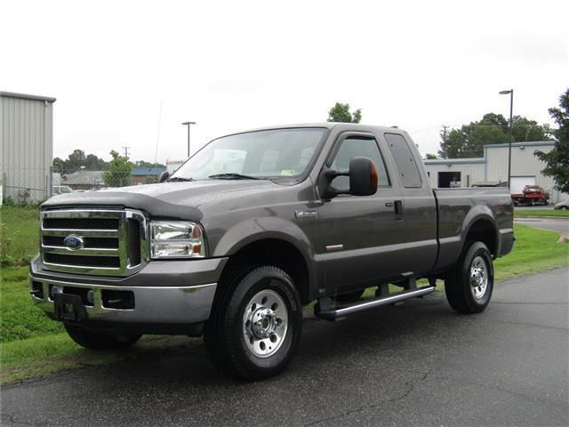 great shape  2005 Ford F 250 Super Duty XLT lifted