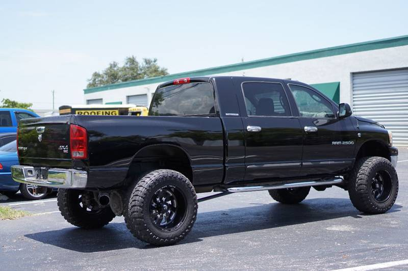modified 2006 Dodge Ram 2500 SLT lifted